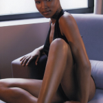 Ebony girl has short hair and nice legs