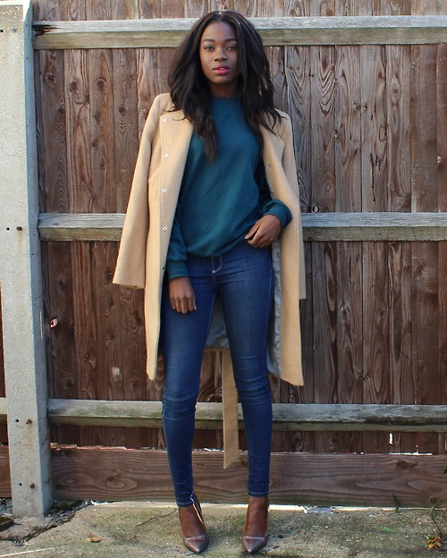 Simple style with jeans, pullover and beige coat
