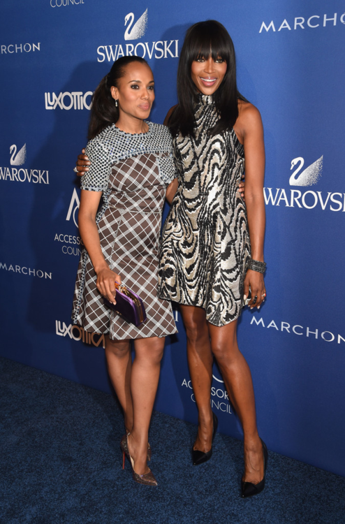 Naomi Campbell smooth hair and nice black and grey short dress with Kerry Washington