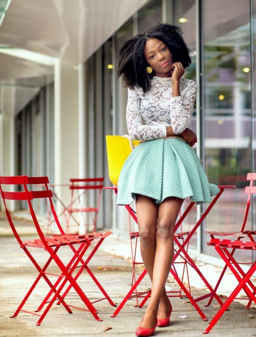 Natural hairstyle and short skirt
