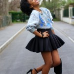 Natural hair, pullover and short skirt