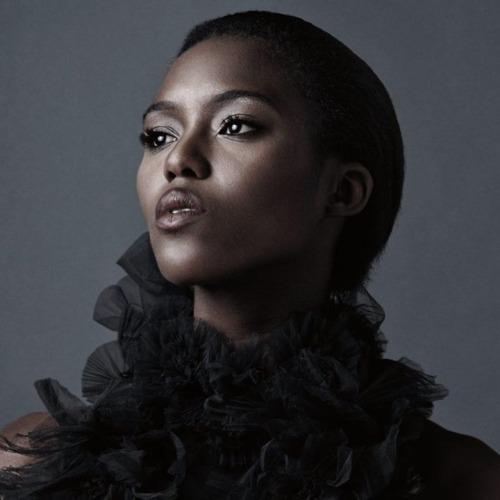 Alima Fofana nice makeup