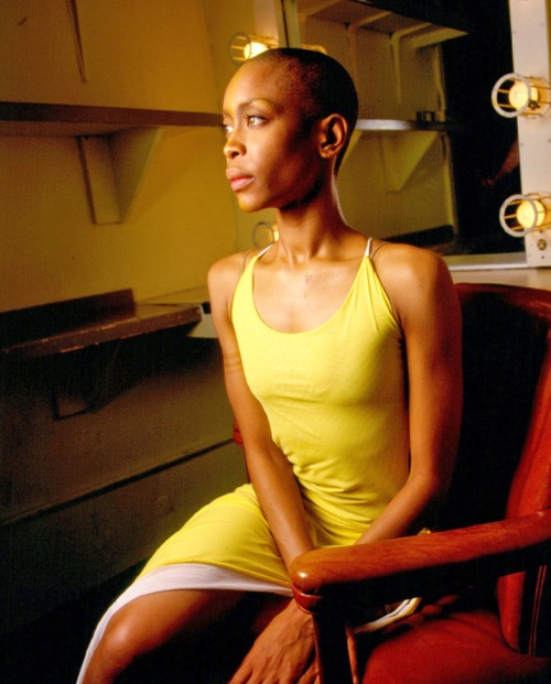 Erykah Badu without hair