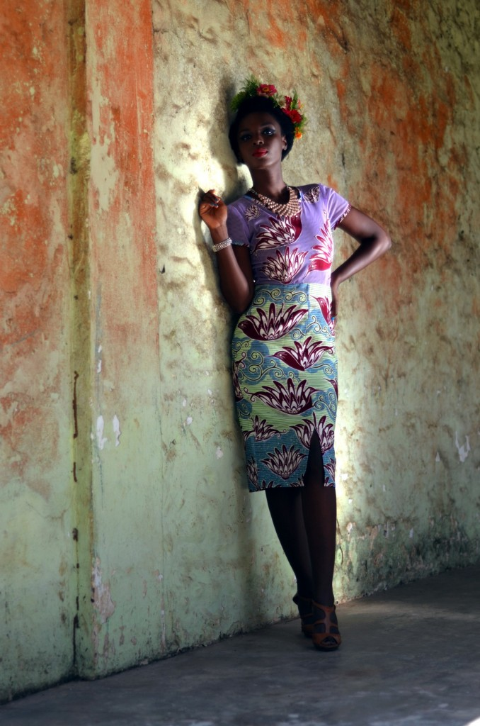 African Fashion : nice flowered tight dress