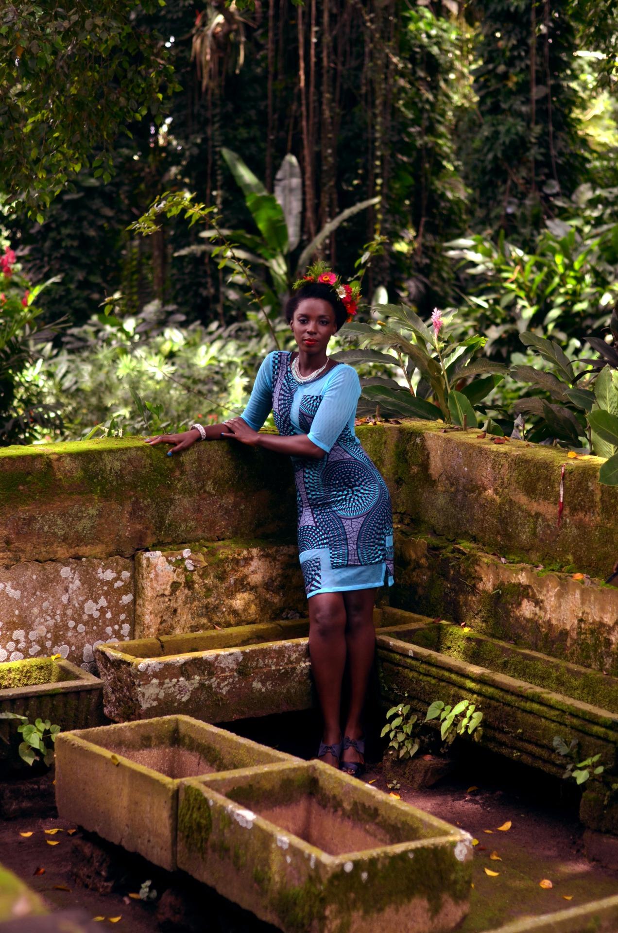 African Fashion : nice blue tight dress