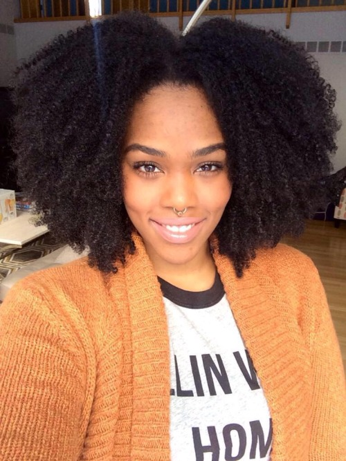 Gorgeous natural hairstyle and bull nose ring