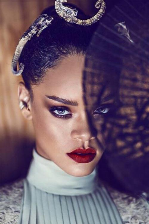 Rihanna nice makeup