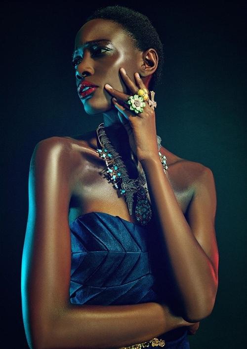 Mariane Calazan big necklace and big rings