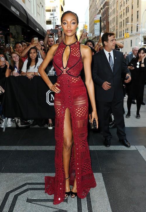 Supermodel Jourdan Dunn to the 2015 Met Gala wears a nice dress