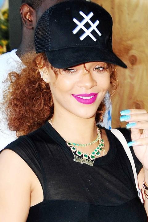 Rihanna lipstick queen fuchsia