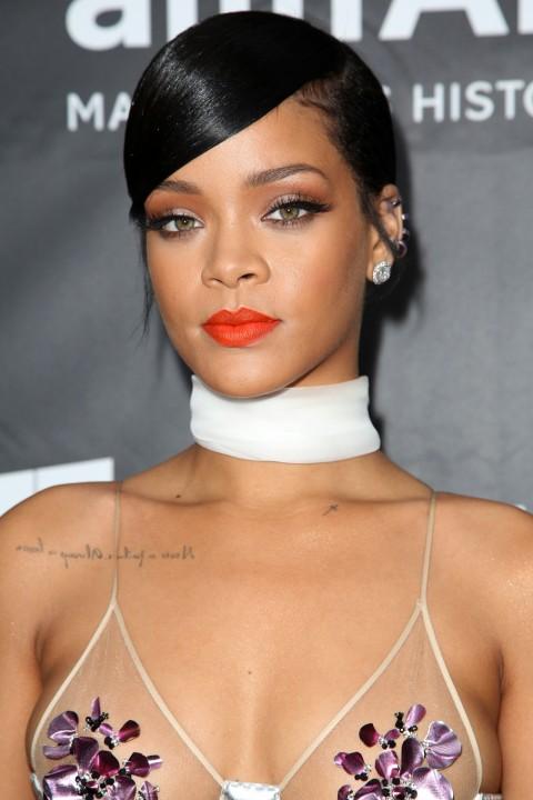 Rihanna lipstick queen coral