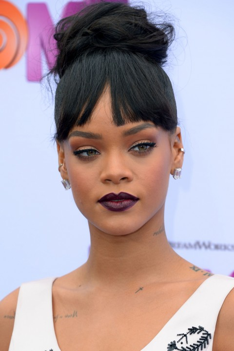 Rihanna lipstickqueen dark red