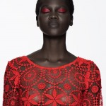 Model Atong Arjok : red and black