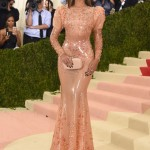 Beyonce amazing dress and straight at Met Gala 2016