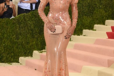 Beyonce amazing dress at Met Gala 2016