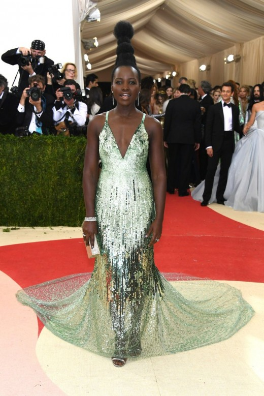 Lupita Nyong'o nice green dress and and amazing hairstyle at Met Gala 2016