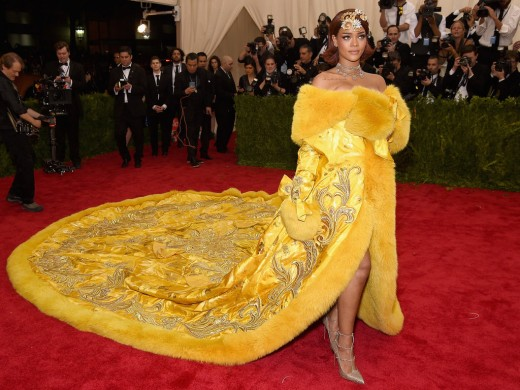 Rihanna yellow dress and hairstyle at Met Gala 2016