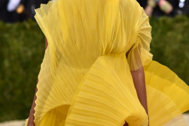 Solange Knowles yellow dress natural hairstyle at Met Gala 2016